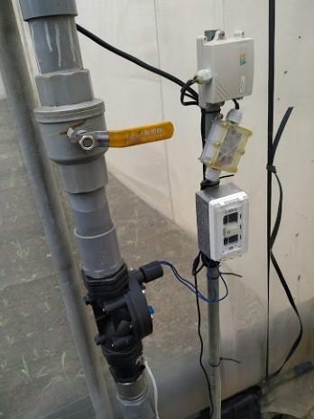 溫室灌溉管路安裝控制器及電磁閥,依據累積光度自動灌溉